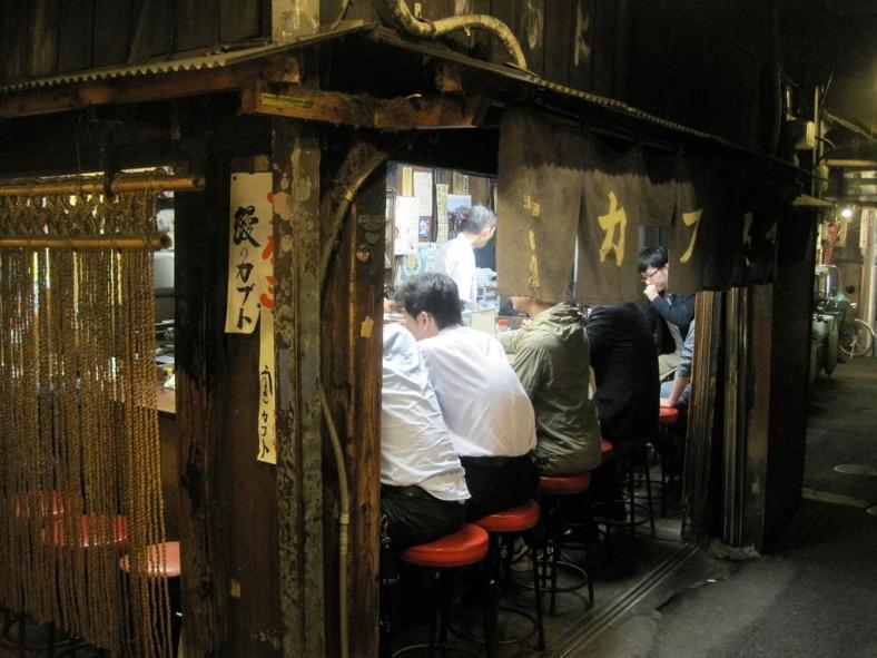 golden_gai_eatery_shinjuku_tokyo